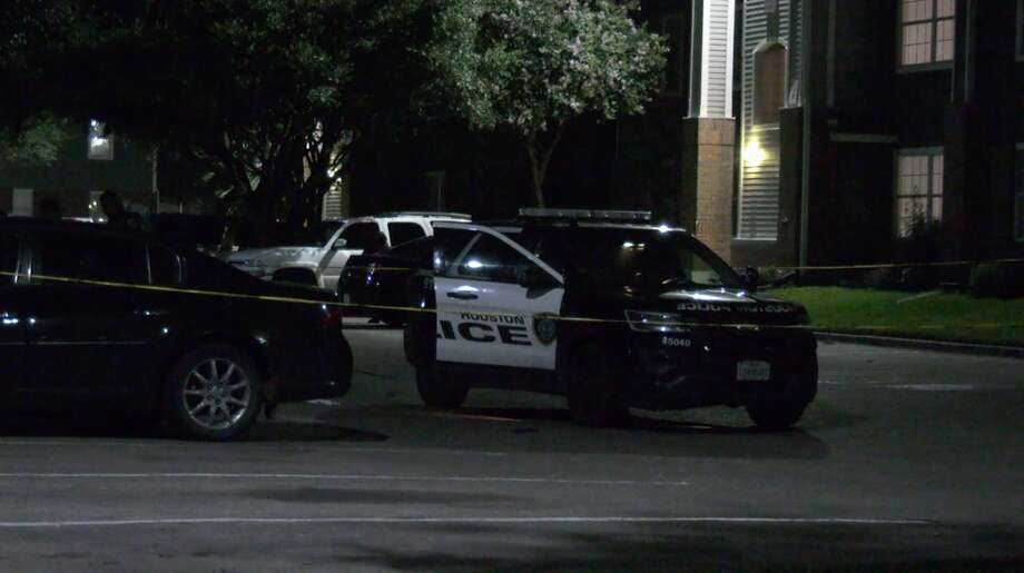 Houston police officers investigate a shooting in the 4700 block of Wenda on Tuesday, June 9, 2020. Photo: OnScene.TV