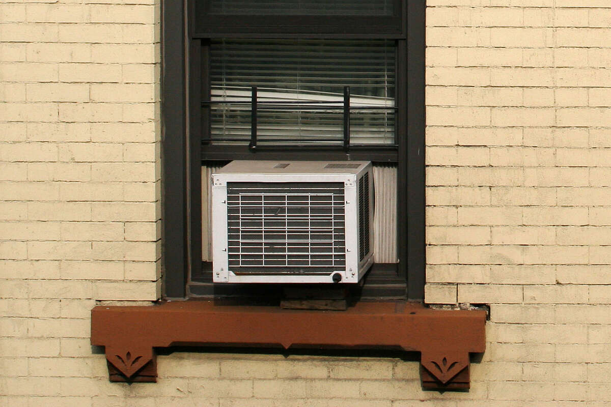 You can ignore it however you like: Buying bags of ice, stocking up on floor fans, or switching to cold brew, but none of those will make a difference. Summer is coming. You're going to need an air conditioner. But which one? What makes an air conditioner