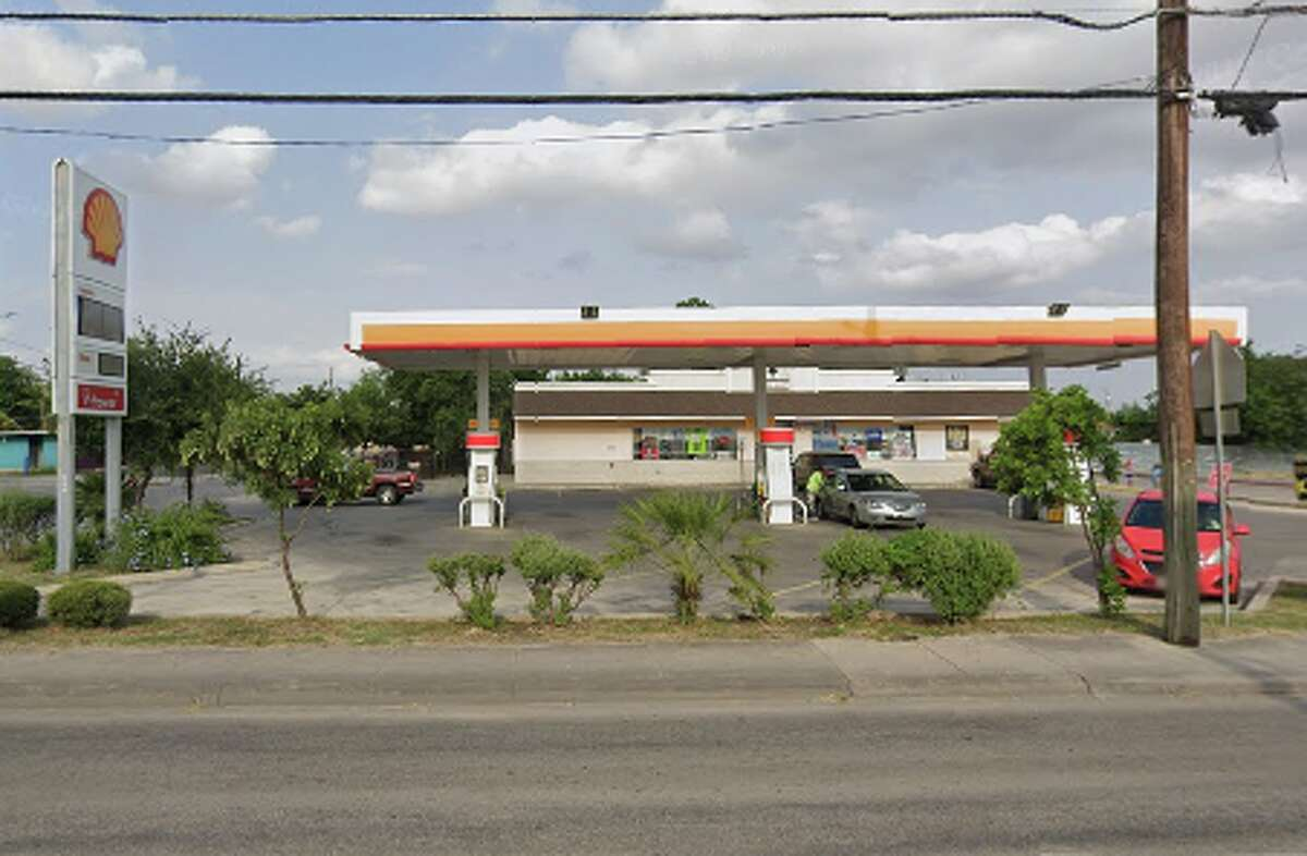 Shell Location: 326 N. Zarzamora St. Dates: May 21 Number of skimmers found:1