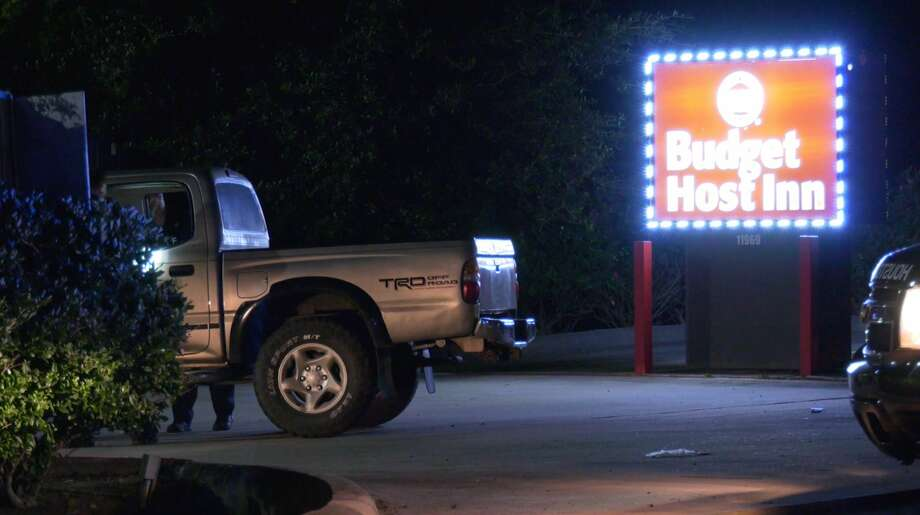 Houston police investigate a deadly shooting at a southwest motel Wednesday, June 10, 2020. Photo: OnScene.TV