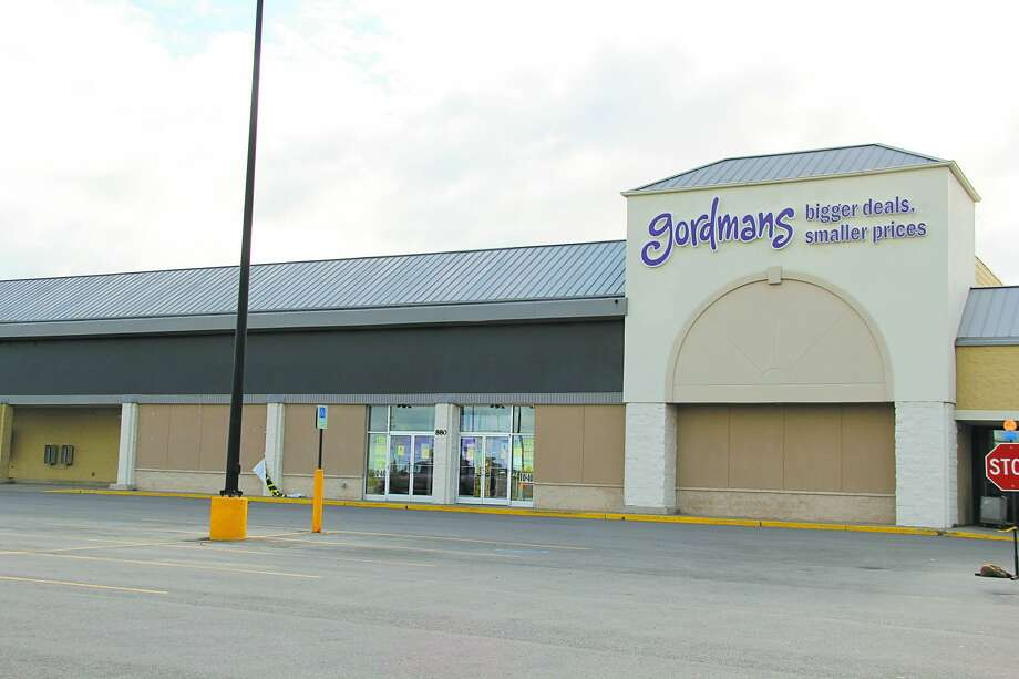 Gordmans' Bad Axe location with signs announcing its going out of business sale. Gordmans' parent company, Stage Stores, announced it was filing for bankruptcy this week. (Robert Creenan/Huron Daily Tribune) Photo: (Robert Creenan/Huron Daily Tribune)