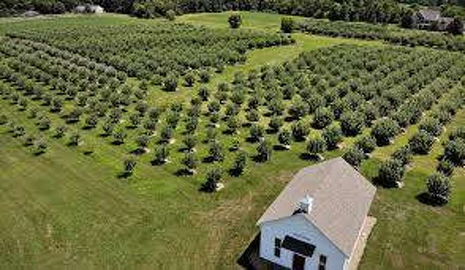 Liberty Apple Orchard Inc. plans to construct a second building at the orchard at 8308 Kuhn Station Road, Edwardsville. Photo: Intelligencer File Photo