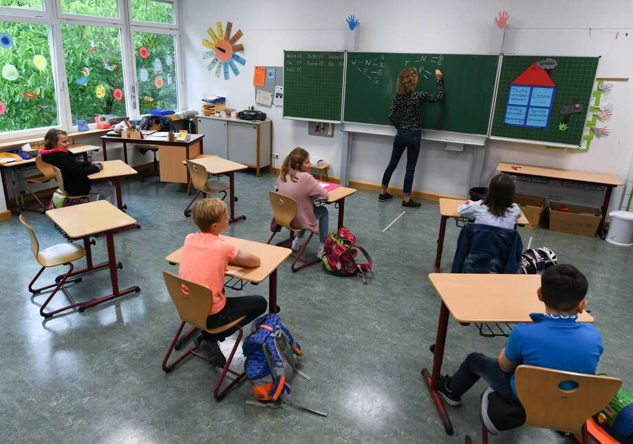 While Mecosta County schools prepare to reopen in the fall, parents are struggling with whether or not to send their children back or lean on remote learning options. Photo: Arne Dedert/picture Alliance Via Getty Images / (c) Copyright 2020, dpa (www.dpa.de). Alle Rechte vorbehalten