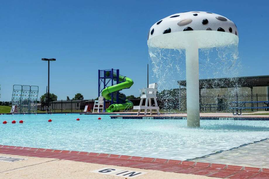 Nederland will be opening their pool on Avenue H, adjacent to Doornbos Heritage Park with restrictions on Friday, June 12. Photo made on June 11, 2020.  Fran Ruchalski/The Enterprise Photo: Fran Ruchalski, The Enterprise / The Enterprise / © 2020 The Beaumont Enterprise