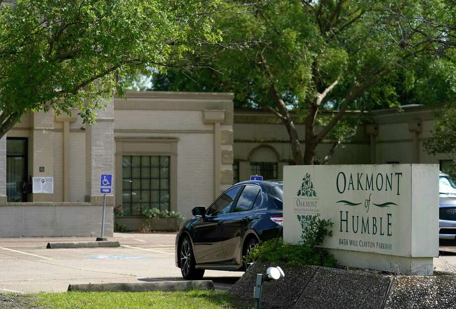 Oakmont Healthcare & Rehabilitation Center, 8450 Will Clayton Pkwy., is shown amid the Covid-19 pandemic Friday, June 5, 2020, in Humble. Photo: Melissa Phillip, Houston Chronicle / Staff Photographer / © 2020 Houston Chronicle