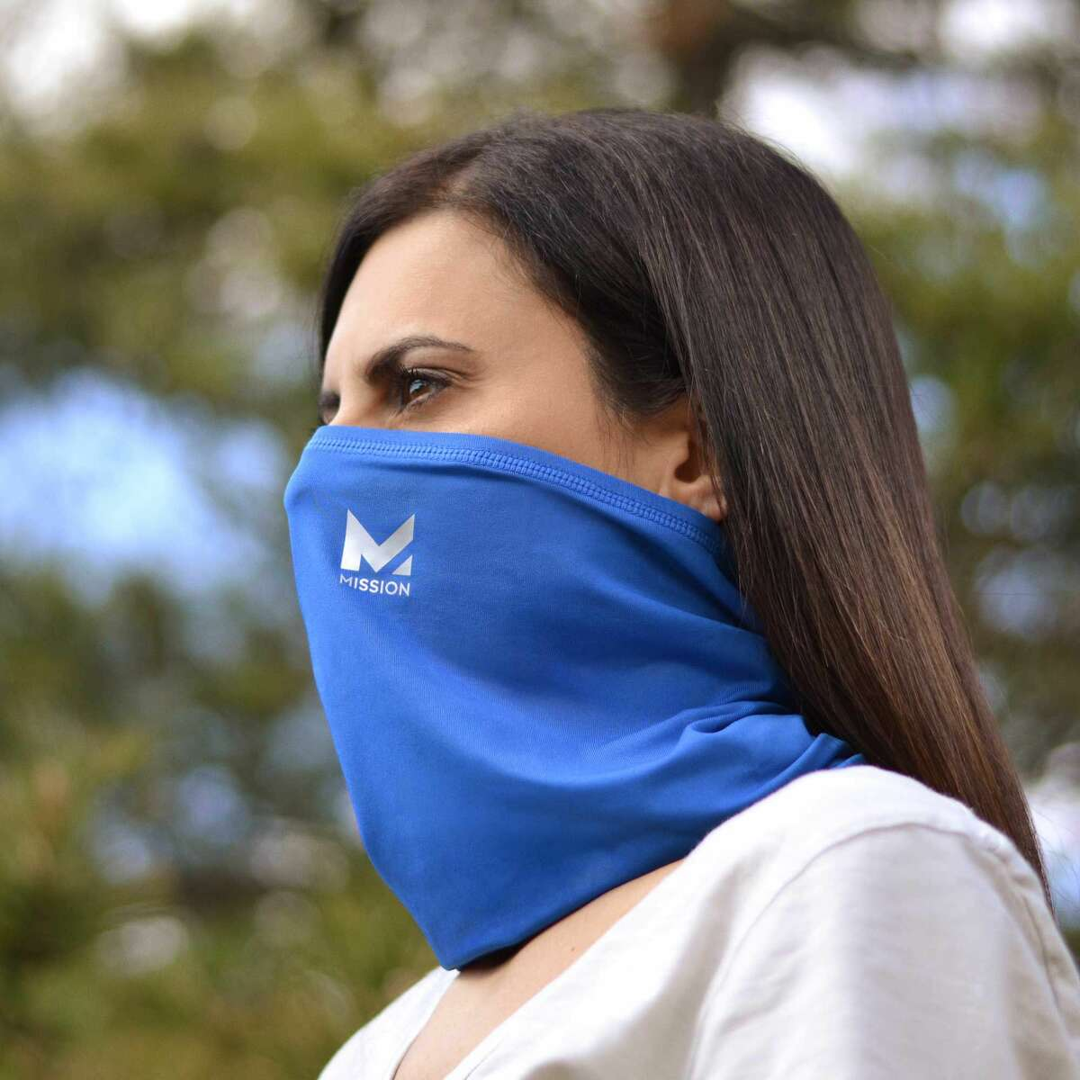 'Any face covering is better than no face covering': UW medical director weighs in on neck gaiters After a study from Duke University on the effectiveness of 14 different types of face masks went, for lack of a better word, viral, some were quick to stow away their neck gaiters after the research found they were the least effective at blocking respiratory droplets that spread COVID-19. But now, one University of Washington medical director is coming to the defense of neck gaiters.