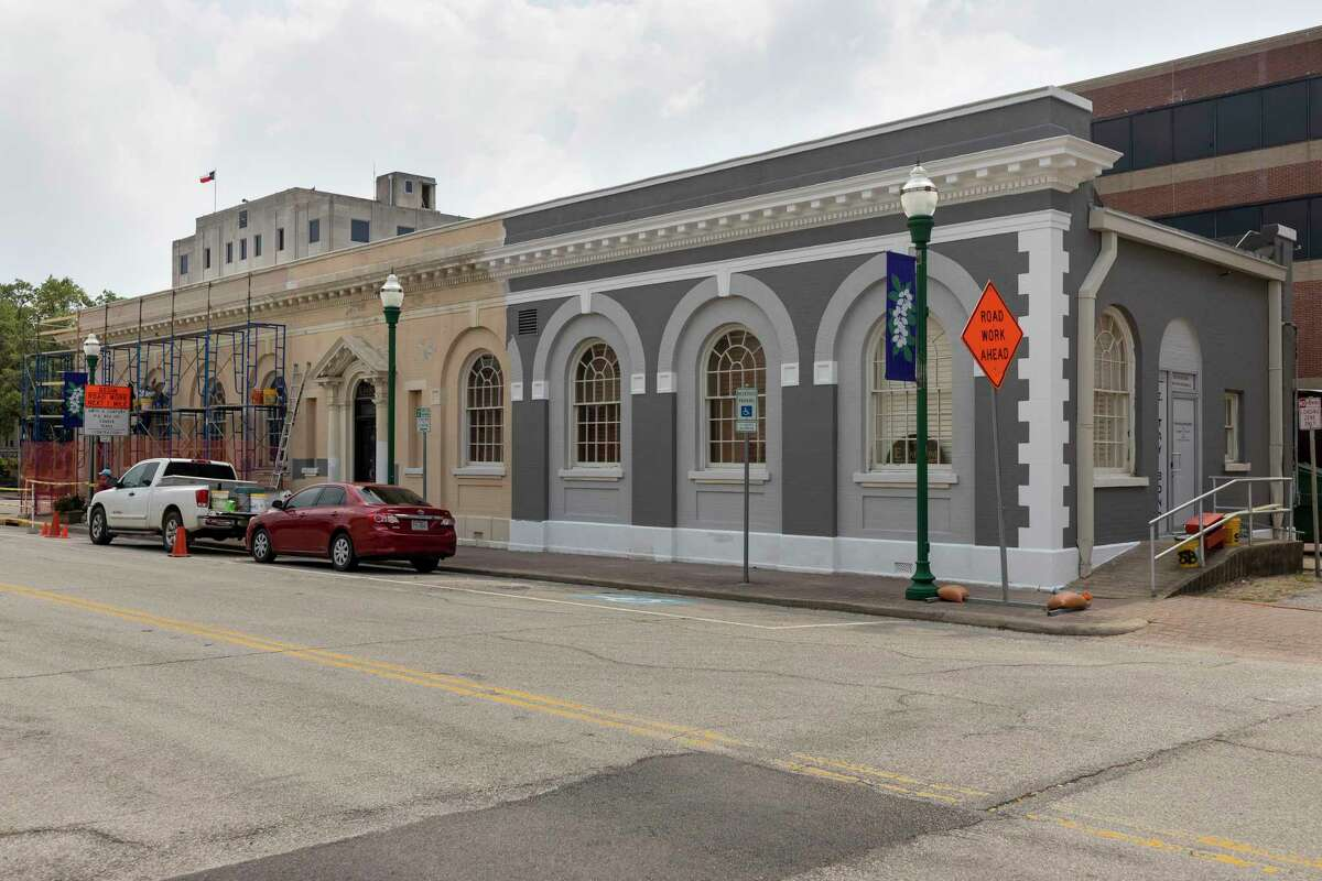 The Conroe State Bank building undergoes renovations after being purchased by attorney E. Tay Bond in downtown Conroe, Tuesday, May 5, 2020.