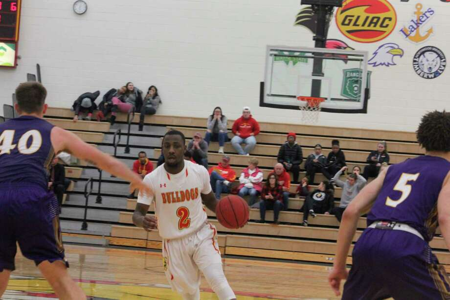 D'angelo Hughes (2) had a standout senior season for Ferris. (Pioneer file photo)