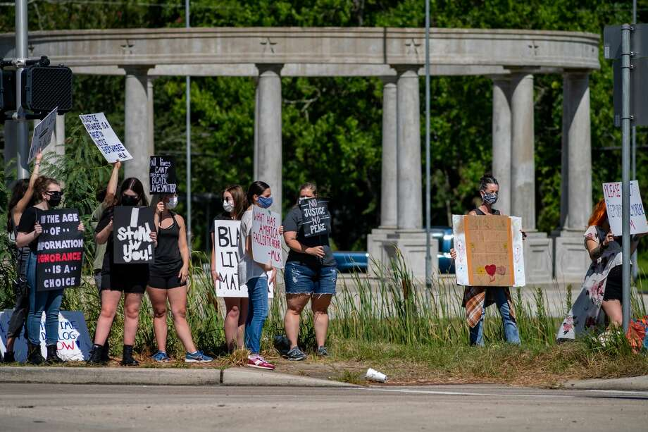 About 40 protestors came out to Orange on Saturday morning to protest the existence of The Confederate Memorial of the Wind at I-10 and Martin Luther King Junior Drive. Photo made on June 13, 2020. Fran Ruchalski/The Enterprise Photo: Fran Ruchalski/The Enterprise / © 2020 The Beaumont Enterprise