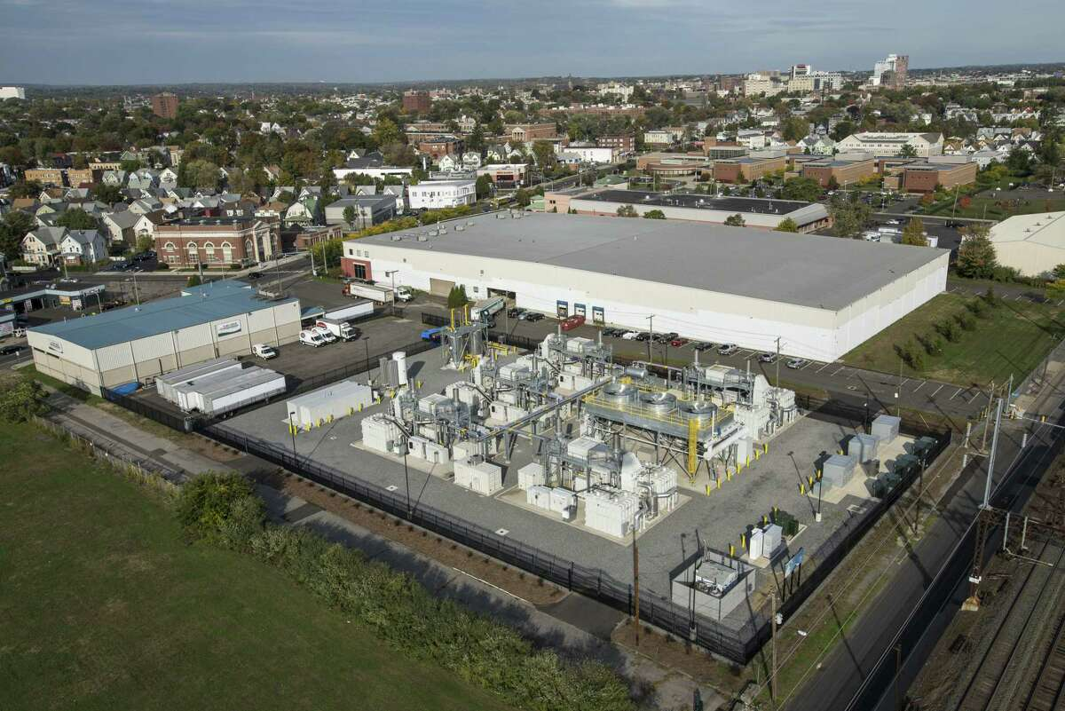 A FuelCell power plant in Bridgeport, Conn., with the Danbury-based company manufacturing fuel cell components in Torrington. (File press photo via FuelCell Energy)