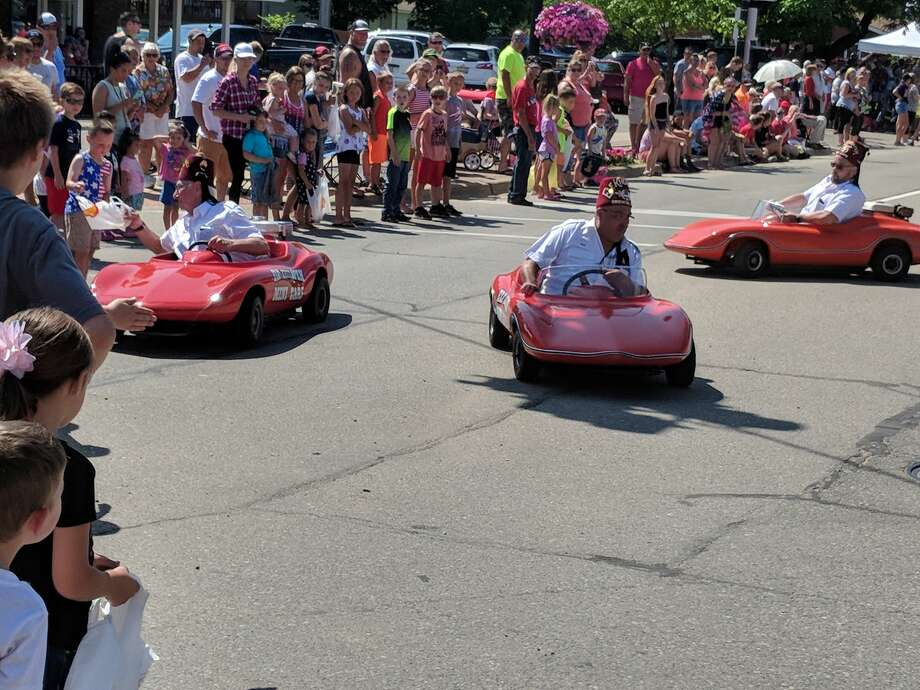 FILE — The 2019 Beaverton 4th of July Annual Parade drew a few thousand people. With COVID-19 and social distancing, this year's parade might look different. City officials hope people have fun, but practice safety. Photo: Tereasa Nims/for The Daily News