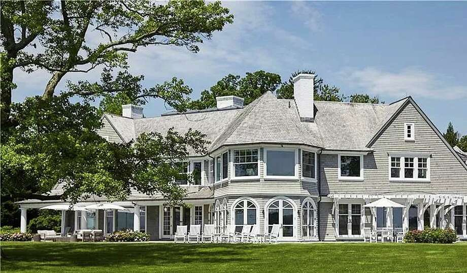 The Beachside Avenue home owned formerly by Phil Donahue and Marlo Thomas, listed for sale in June 2020 for $28 million. Photo: Screenshot Via Zillow