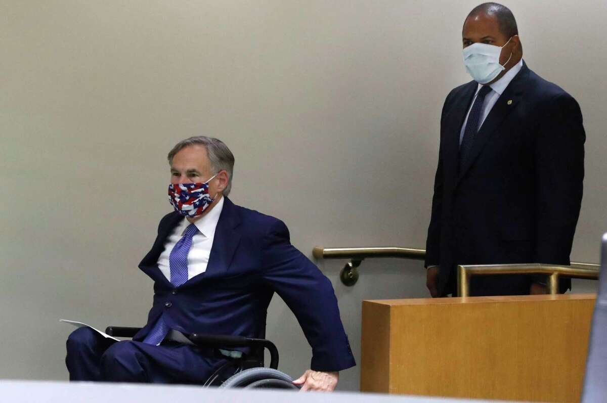 Amid concerns of the spread of COVID-19, Gov. Greg Abbott, left, and Dallas Mayor Eric Johnson did the right thing at a news conference this month and wore masks. But Abbott could do the right thing all the time by requiring masks.
