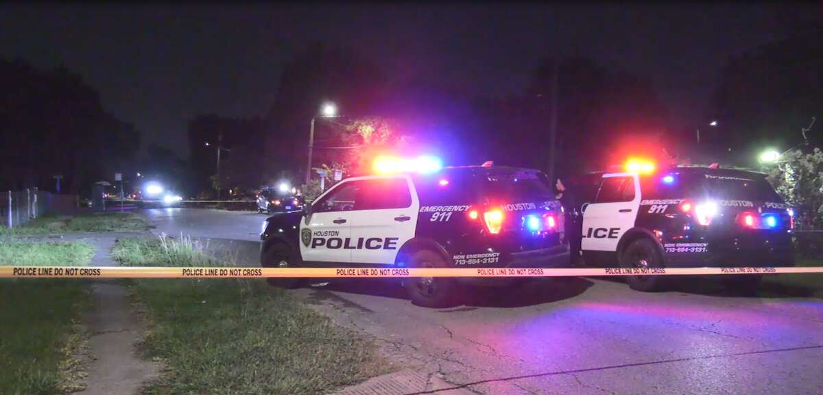 Houston police are investigating after a gunshot victim showed up by private vehicle to Lyndon B. Johnson Hospital.
