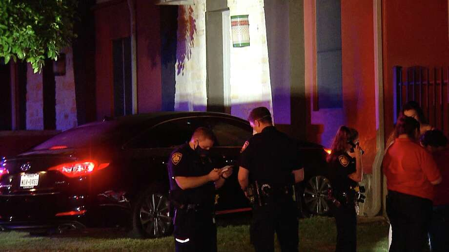 A woman crashed into a Southwest Side apartment building after swerving to avoid a wrong-way driver, according to the San Antonio Police Department. Photo: Ken Branca