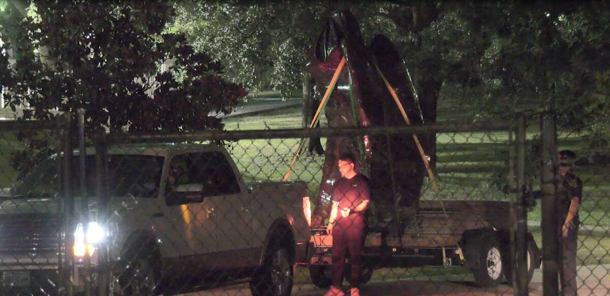 The Spirit Of the Confederacy statue was removed from the Sam Houston Park around 11 p.m. Wednesday night.