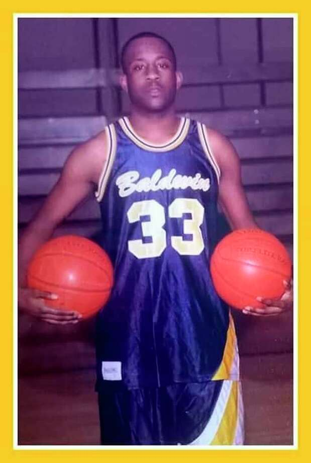 Elliott Lindsey was a standout basketball player for Baldwin. (Courtesy photo)