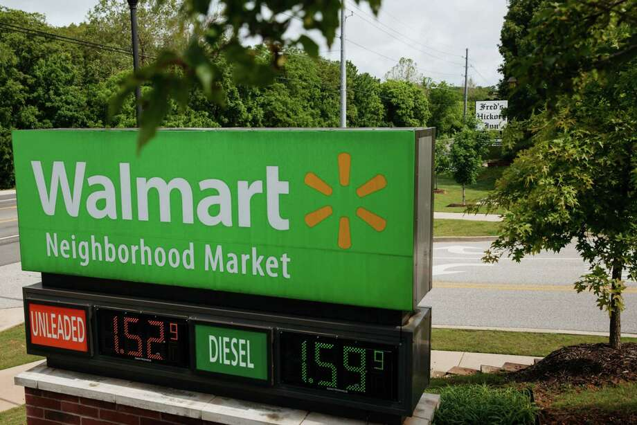 A Walmart gas station in Bentonville, Ark., on May 28, 2020. Photo: Bloomberg Photo By Terra Fondriest. / © 2020 Bloomberg Finance LP