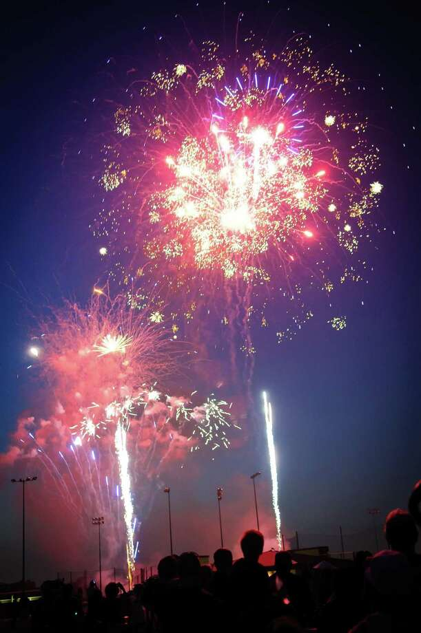 Pearland residents won't be seeing a city fireworks display this July Fourth. The neighboring city of Alvin is planning a fireworks display. Photo: Kim Christensen, Freelance / For The Chronicle / ©Kim Christensen