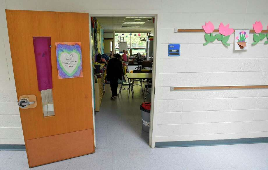 A classroom at Newfield Elementary School in Stamford. Photo: Matthew Brown / Hearst Connecticut Media / Stamford Advocate