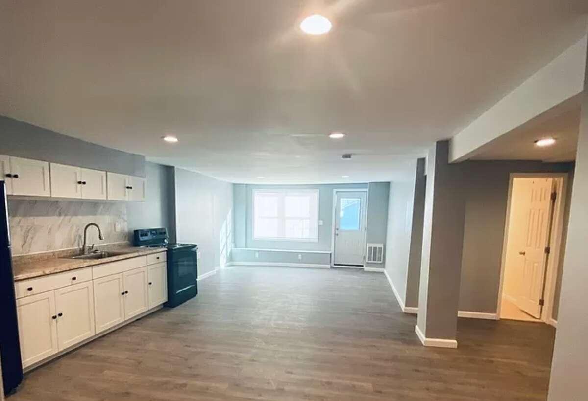 211 Clinton Ave., Albany: $895 (1 bed, 1 bath, 880 square feet)
