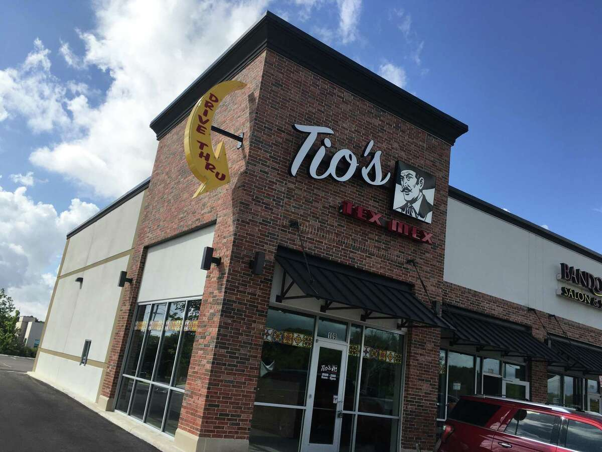 Tio's Tex Mex: 9390 Huebner RoadDate: 09/09/2020 Score: 82Highlights: An employee grabbed tortillas and bacon with bare hands. An employee grabbed food, utensils, and raw meat without changing gloves.Tubs of refried beans had not been cooled to the proper temperature.