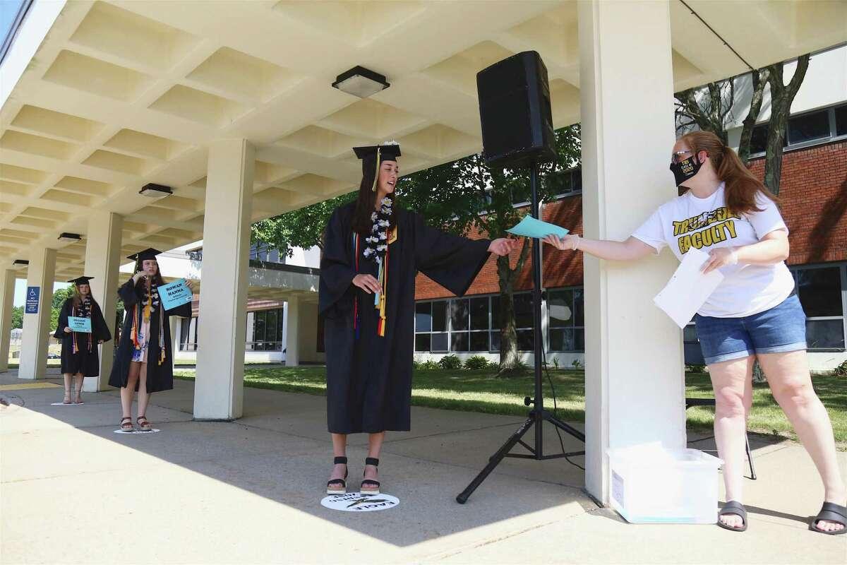 Trumbull High School 2020 graduation