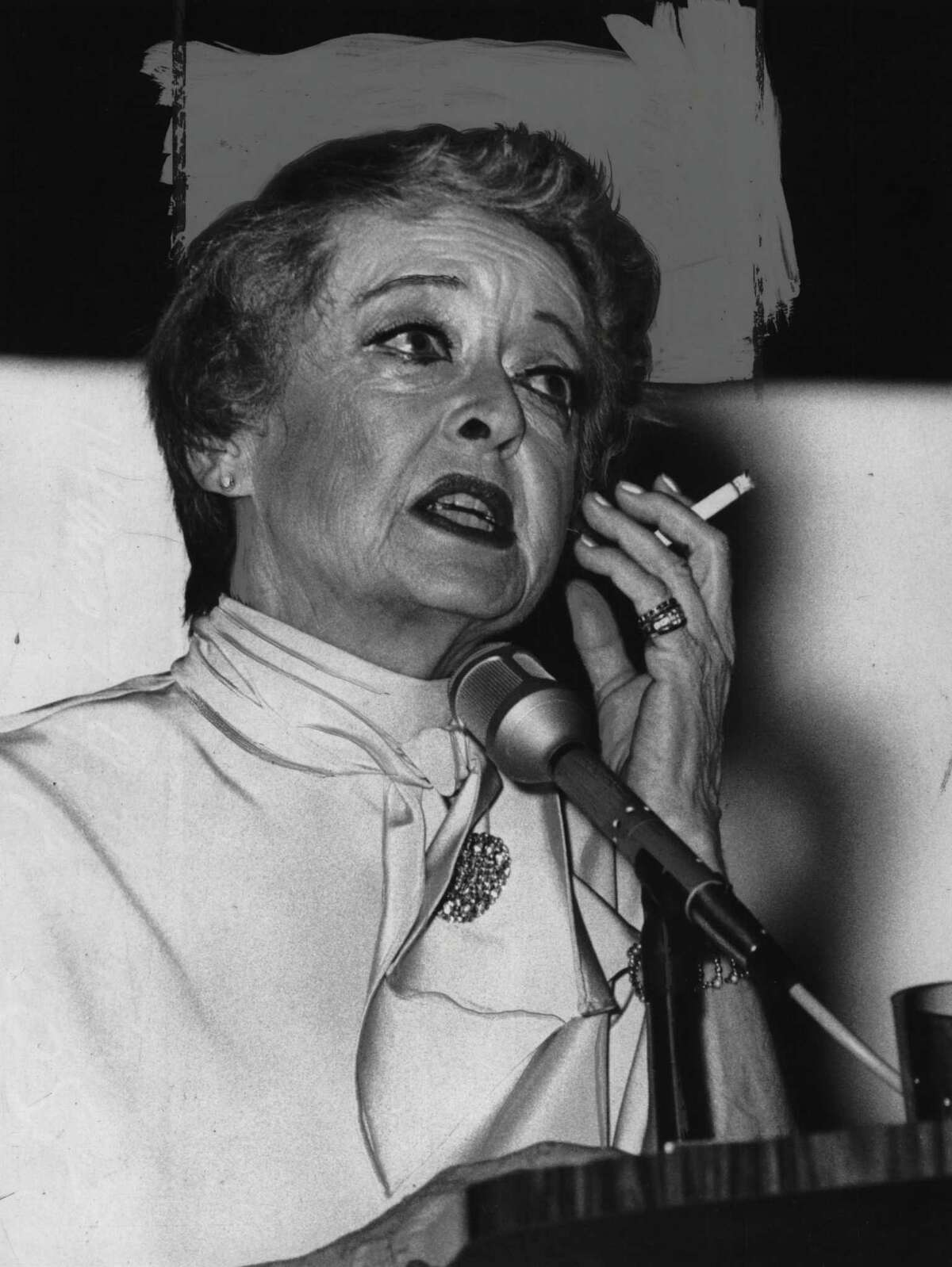 On this week in 1973, actress Bette Davis smokes during speech in Saratoga Springs. June 21, 1973. (Times Union archive)