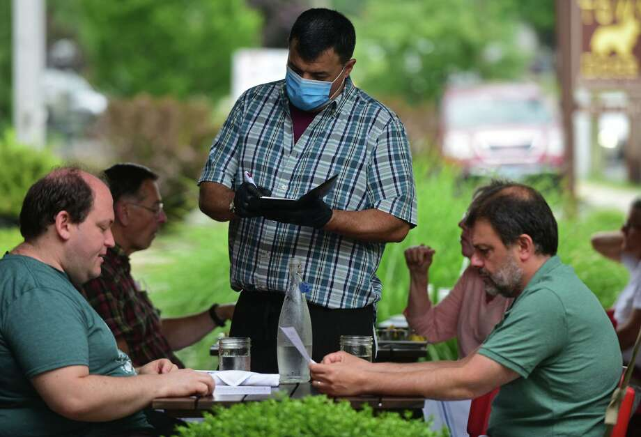 Connecticut health officials are recruiting more volunteers to assist with the coronavirus contact tracing effort, which has been hampered by issues with the state's tracing software. Photo: Erik Trautmann / Hearst Connecticut Media / Norwalk Hour
