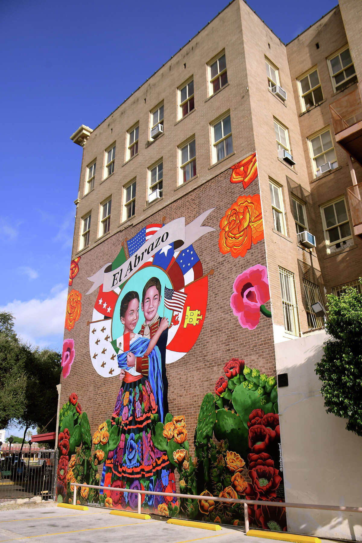 The City of Laredo and District VIII Councilman Roberto Balli hosted a dedication ceremony for recently completed mural by artist Sandra Gonzalez at the Rialto Hotel, Saturday, September 28, 2019.