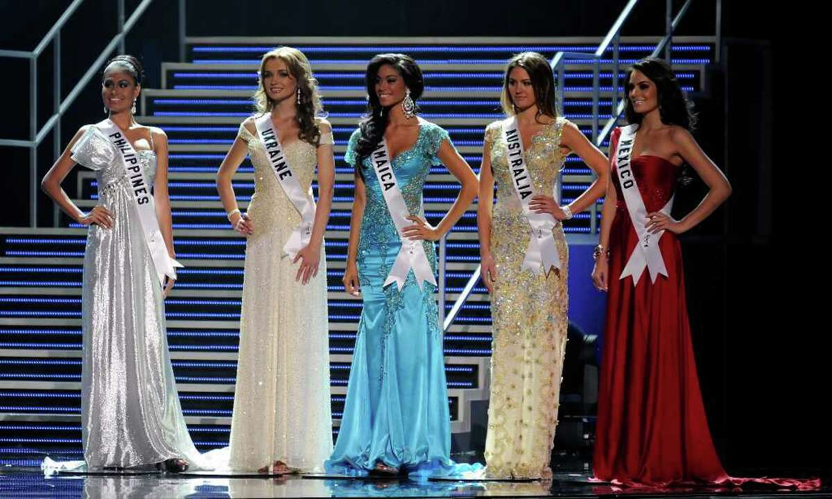 LAS VEGAS - AUGUST 23: The top five finalists (L-R) Miss Philippines 2010, Venus Raj, Miss Ukraine 2010, Anna Poslavska, Miss Jamaica 2010, Yendi Phillipps, Miss Australia 2010, Jesinta Campbell, and Miss Mexico 2010, Jimena Navarrete, appear during the 2010 Miss Universe Pageant at the Mandalay Bay Events Center August 23, 2010 in Las Vegas, Nevada. Navarrete went on to be crowned the new Miss Universe. (Photo by Ethan Miller/Getty Images)