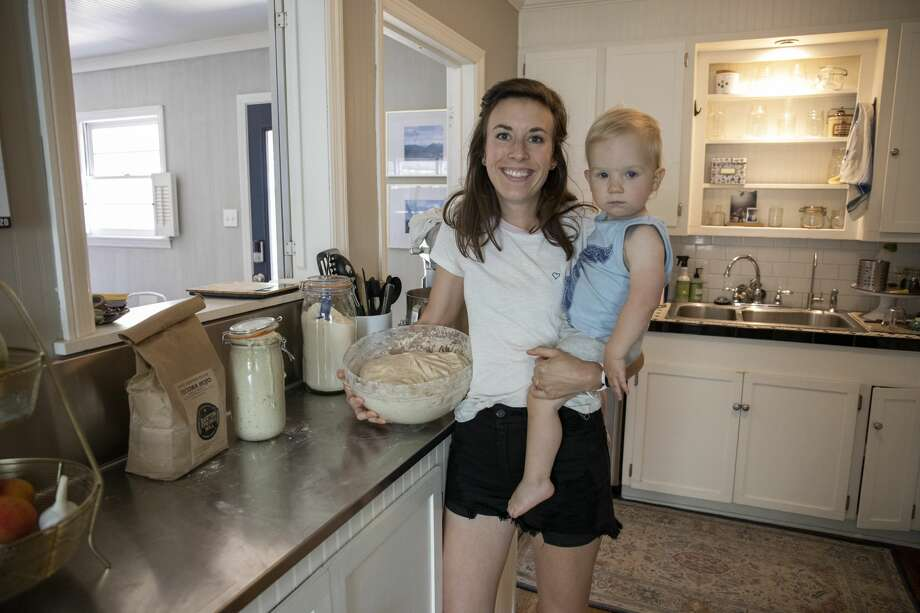 Lindsay Martin proofs and kneads bread the afternoon of Monday, June 22, 2020 at her home in Midland. Photo: Jacy Lewis/Reporter-Telegram / Jacy Lewis/Reporter-Telegram
