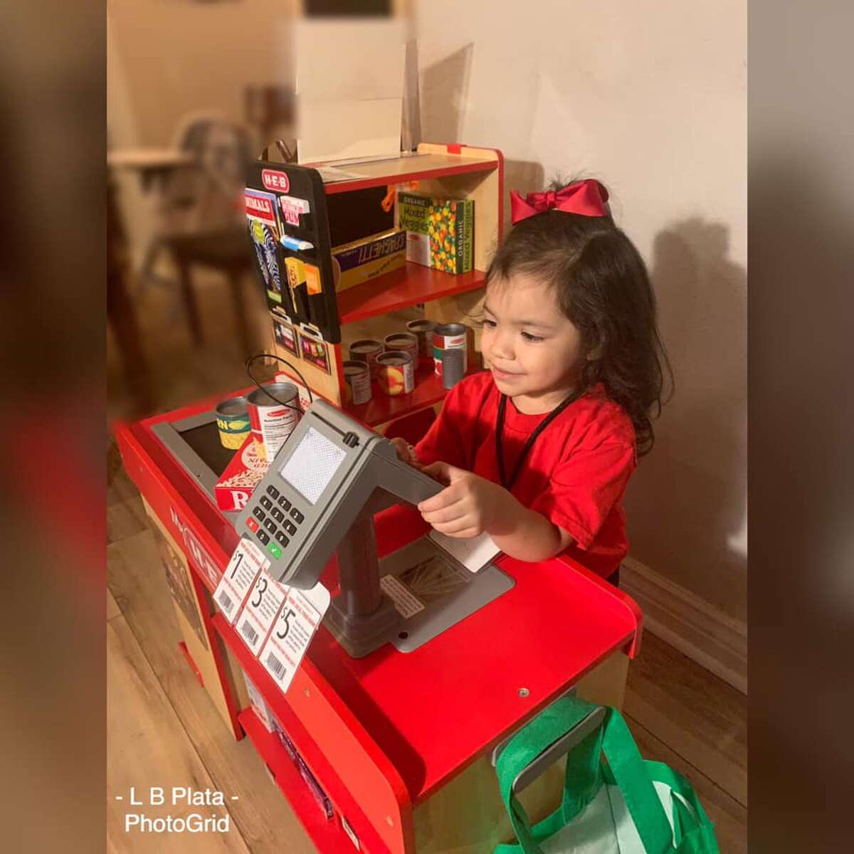 """""""I mean the H-E-B sign is so iconic and when she saw it she just smiled and immediatelysaid 'H-E-B,'"""" Plata said. """"Right away, she was like mom, 'come to my store.' She was so excited and so cute."""""""