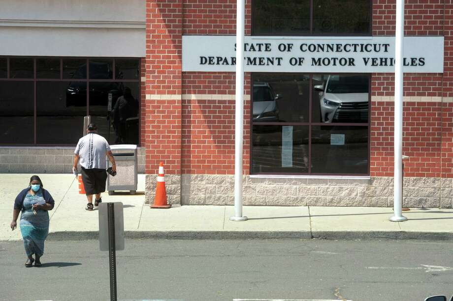 The Department of Motor Vehicle office in Bridgeport, Conn. is closed on Thursday, Oct. 29, 2020 to perform a deep cleaning as well as contact tracing, officials said. Photo: Ned Gerard / Hearst Connecticut Media / Connecticut Post