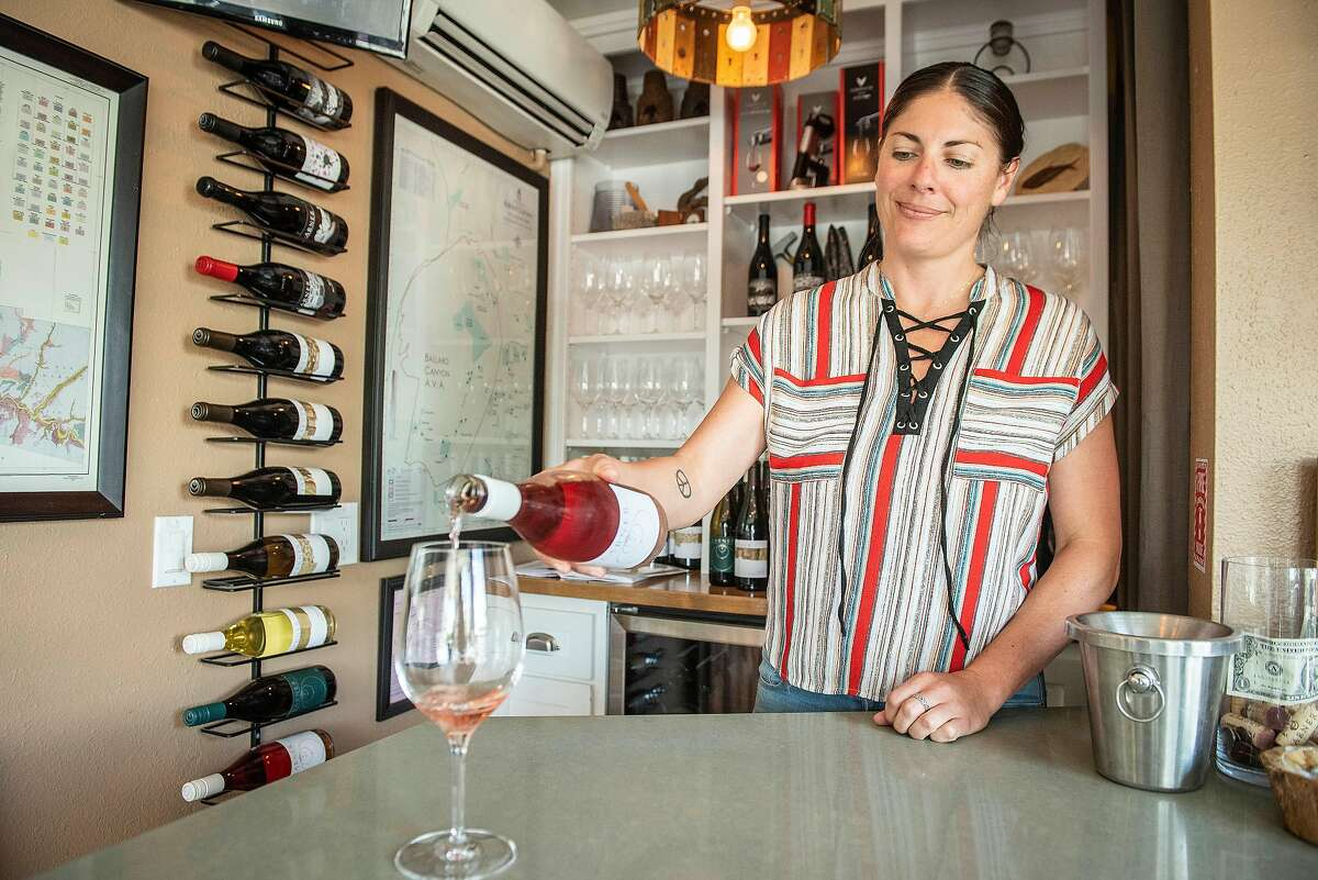 Assistant winemaker Lindsey Reed pours a glass of the 2017 Larner Rose in Los Olivos, Ca.