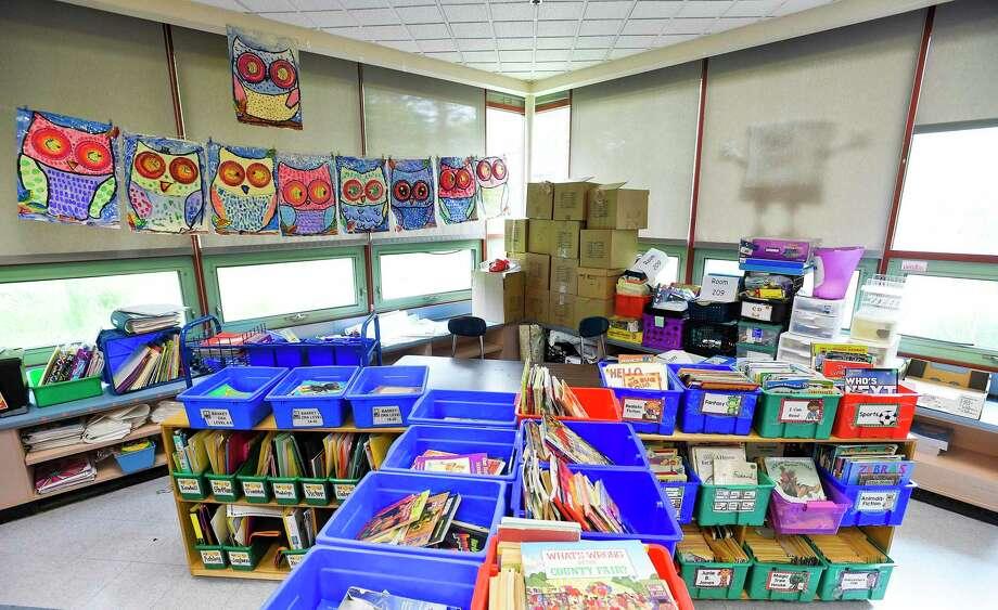 Newfield Elementary School. Photo: Matthew Brown / Hearst Connecticut Media / Stamford Advocate