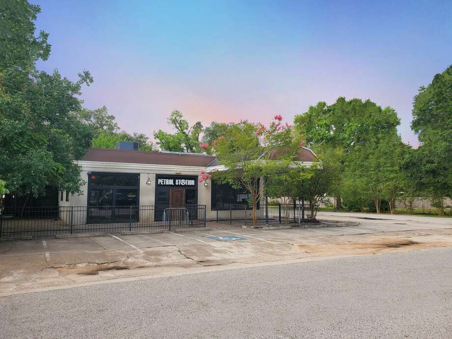 The former home to Petrol Station at 985 Wakefield Drive is up for lease. Photo: Moody Rambin