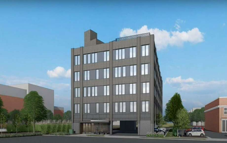 The Plan and Zoning Commission approved plans for a 5-story apartment buidling at 78 Unquowa Place on Tuesday night. Photo: LaBella, Joshua /