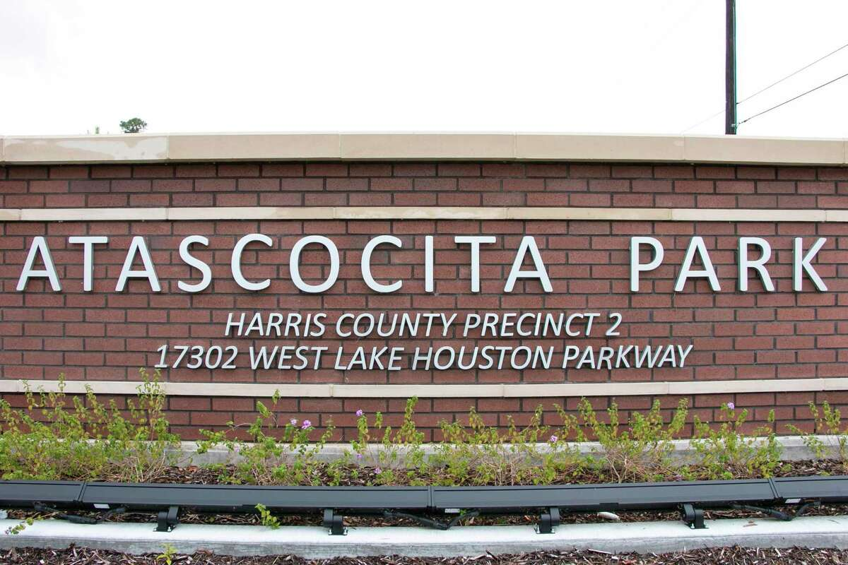 The long-awaited Atascocita Park opened the rainy morning of June 24. Developed under Precinct 2 Commissioner Adrian Garcia, the park cost $11.5 million. Atascocita Park is part of the greater Precinct 2 park system and includes a large playground with skywalks, a dog park for both large and small breeds, a sizeable picnic pavilion, a boardwalk and paved trails.