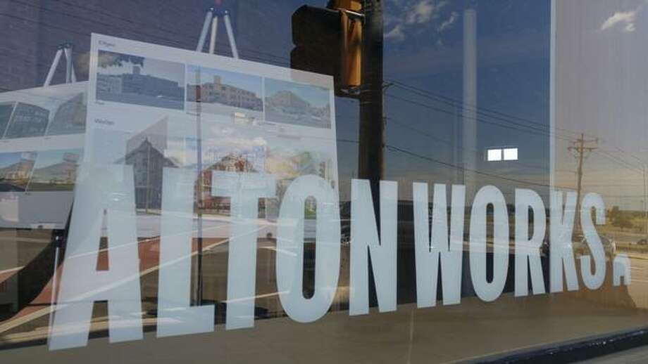 The AltonWorks storefront on Broadway sits empty Thursday as John and Jayne Simmons re-evaluate their revitalization plans for downtown Alton.