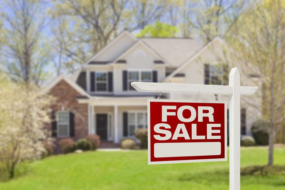 Home prices rose in April, despite the nation entering a recession, according to the S&P CoreLogic Case-Shiller U.S. National Home Price Index. Photo: Getty Images / Feverpitched