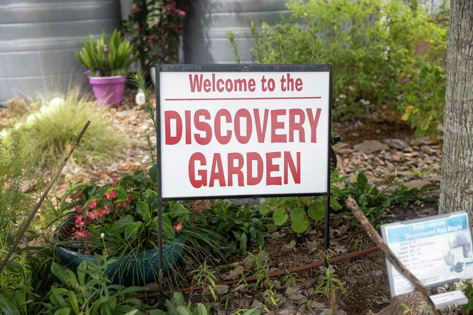 A sign is on display welcoming visitors to the Discovery Garden at the Montgomery County Horticulture, Tuesday, June 23, 2020. Photo: Gustavo Huerta, Houston Chronicle / Staff Photographer / Houston Chronicle © 2020