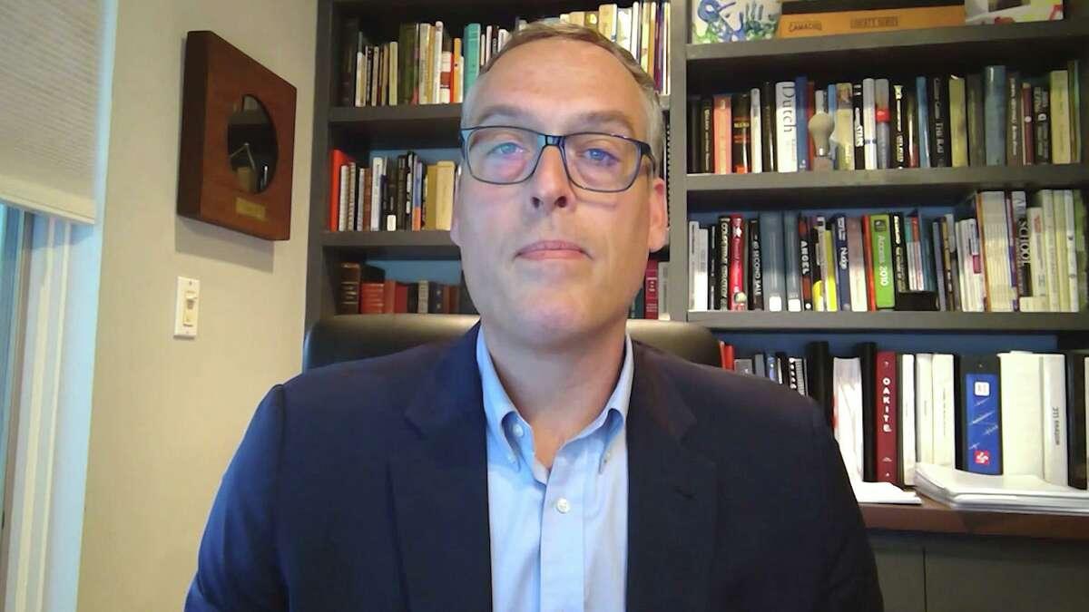 Torsten Kracht, a partner with Hunton Andrews Kurth LLP