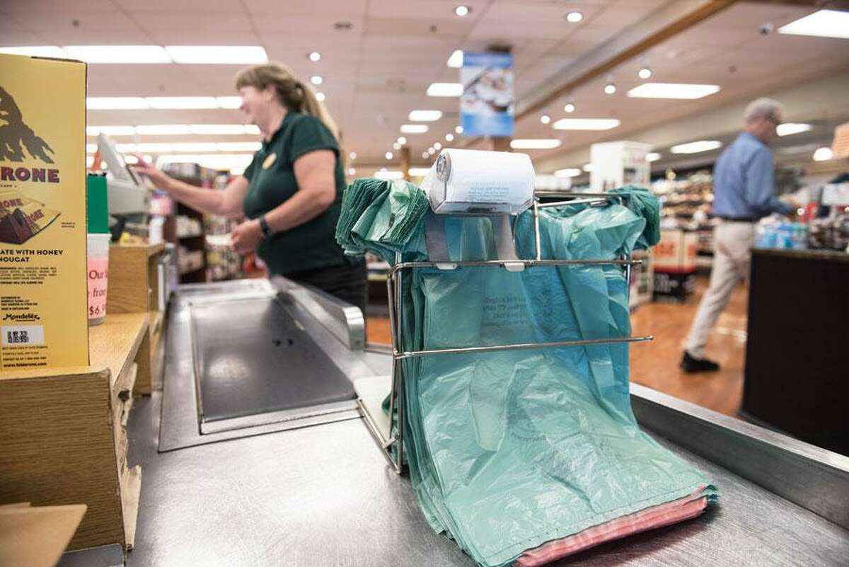 Beginning Wednesday, July 1, 2020, stores will again charging 10 cents for each plastic bag you use. On Friday, June 26, the Department of Revenue Services reminded retailers - and consumers - that the temporary suspension of Connecticut's single-use plastic bag fee, originally implemented by Executive Order on March 26, is set to expire on June 30.