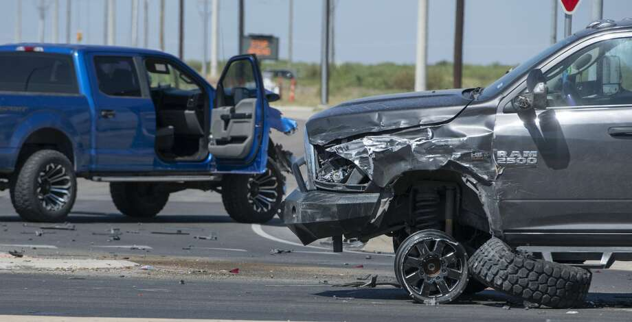 FILE PHOTO: DPS officers, with the help of Midland police and Sheriff deputies, investigate a one vehicle rollover and two car crash 06/26/2020 at the Thomason and Loop 250 intersection. Photo: Tim Fischer/Midland Reporter-Telegram