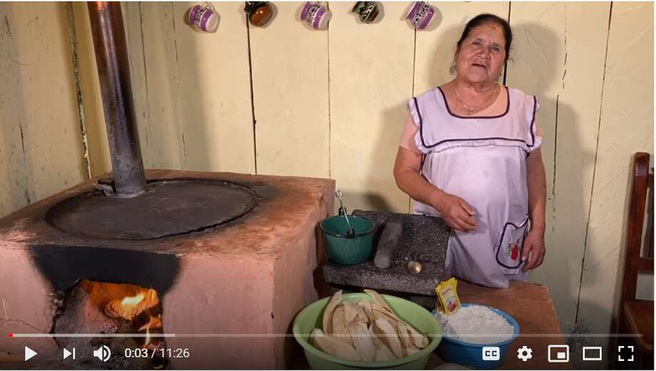 Doña Angela uses traditional Mexican cookware throughout her videos such as clay pots, a comal (griddle), and a molcajete, a stone mortar and pestle used to grind various foods. All this while donning the most adorable aprons. Photo: Screenshot YouTube