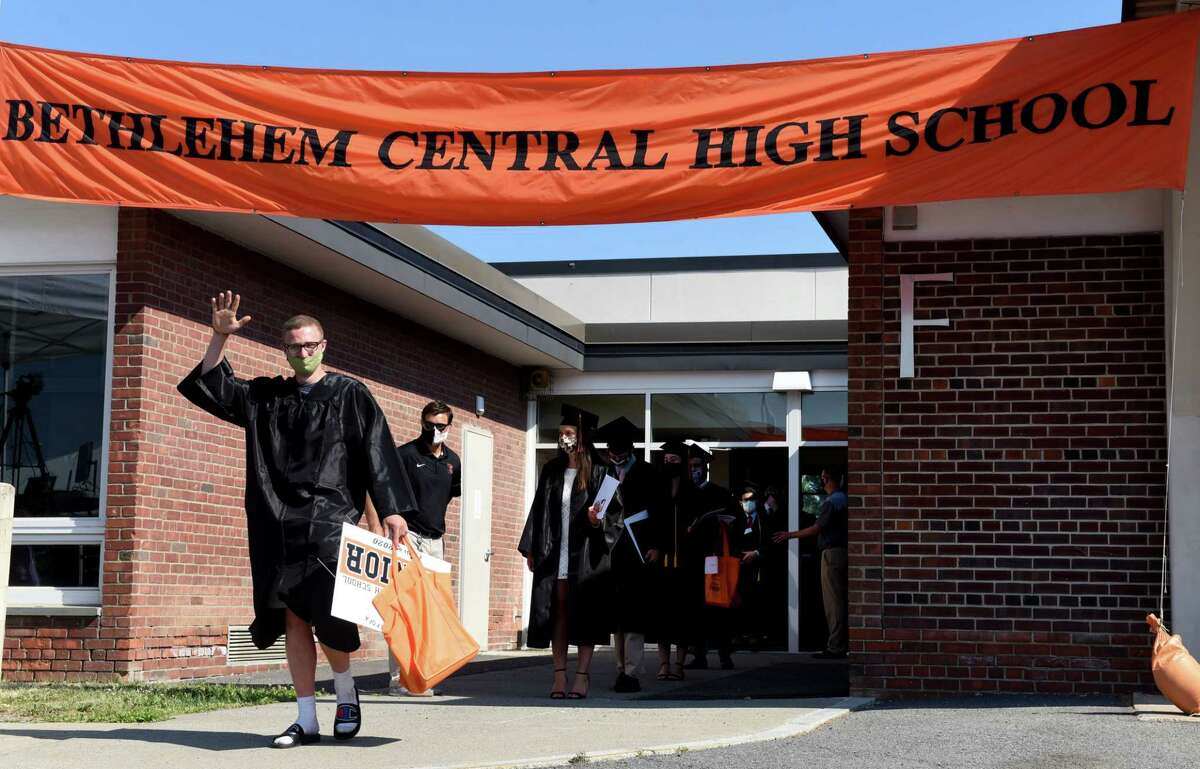 Bethlehem Central Senior High School | Bethlehem Central School DistrictOverall score: 94.95/100National ranking: 901Statewide ranking: 82Graduation rate: 96%College readiness: 54.3Enrollment for grades 9-12: 1,539 See the full report.
