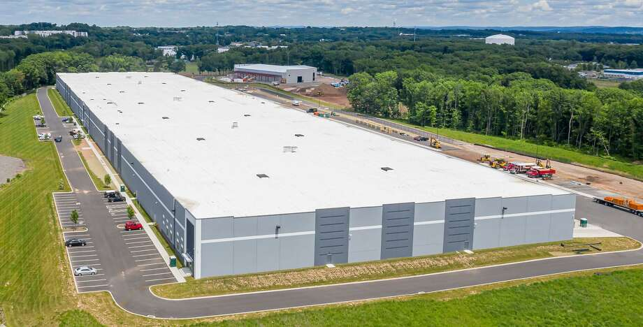 An aerial view of the 403,000-square-foot facility Amazon will soon occupy in Cromwell on County Line Drive Photo: CBRE Group Photo