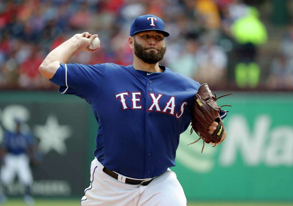 Texas Rangers starting pitcher Lance Lynn (35) throws to the New York Yankees in the second inning of a baseball game in Arlington, Texas, Sunday, Sept. 29, 2019. (AP Photo/Tony Gutierrez)