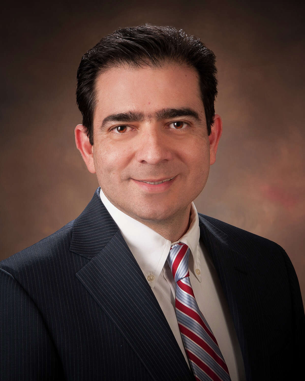 Dr. Sergio Lara